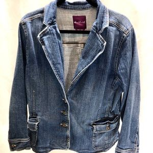Gloria Vanderbilt Jean jacket in size 1X